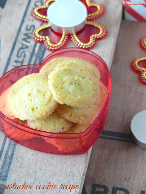 pistachio cookie recipe / piped biscuits